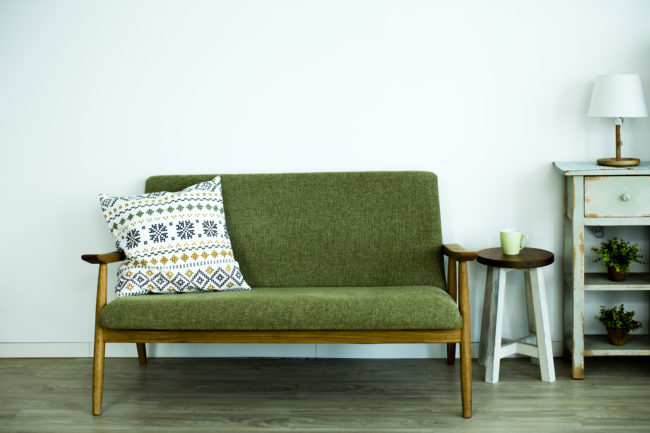 緑色のソファの画像