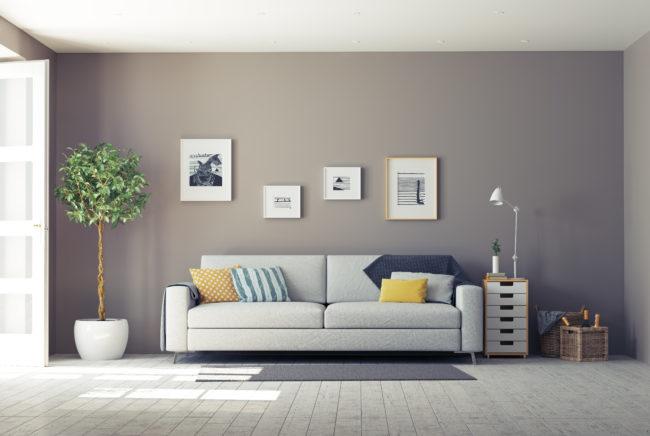 白いソファが置いてある部屋の画像